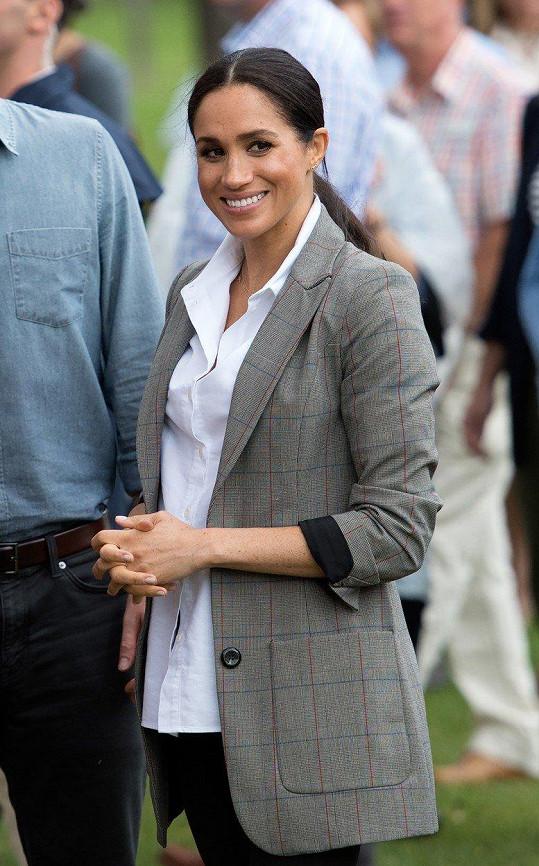Meghan oblékla sako z kolekce Sereny Williams.