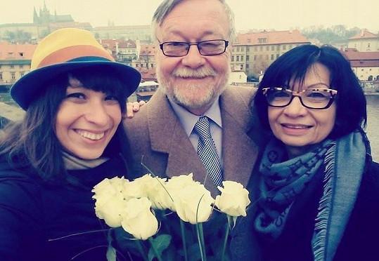 Dušan Sitek s dcerou Kristinou, která se taktéž věnuje herectví, a manželkou.