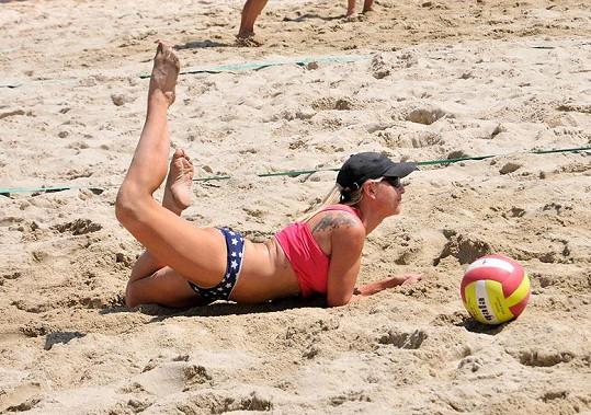 Martina Pártlová propadla beach volejbalu.