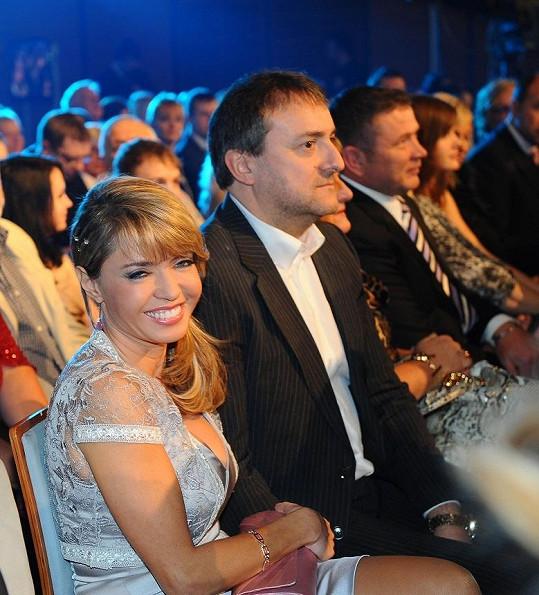 Pavlína Danková s přítelem Milanem Benešem na koncertu Kapky naděje.