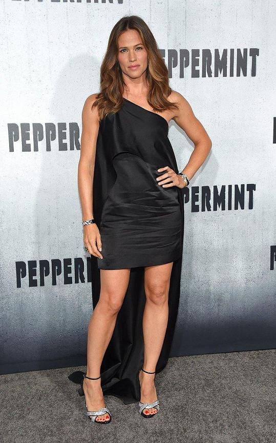 Jennifer Garner na premiéře filmu Peppermint