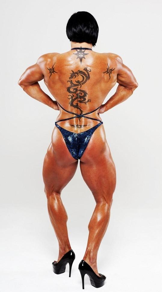 Ani s těmito svaly není Rene zatím spokojená.