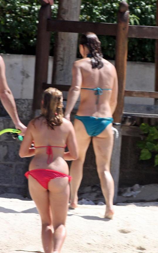 Pippa si užívá luxusní dovolenou v Karibiku, již sponzorují britští daňoví poplatníci.