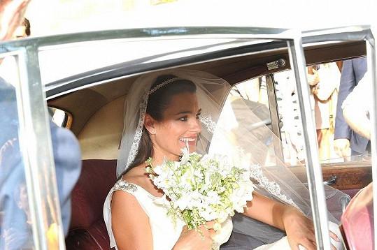 Dojatá nevěsta.