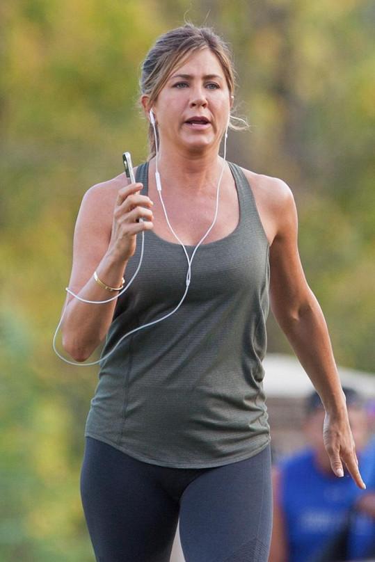 Jennifer Aniston pracuje v Georgii na novém filmu.