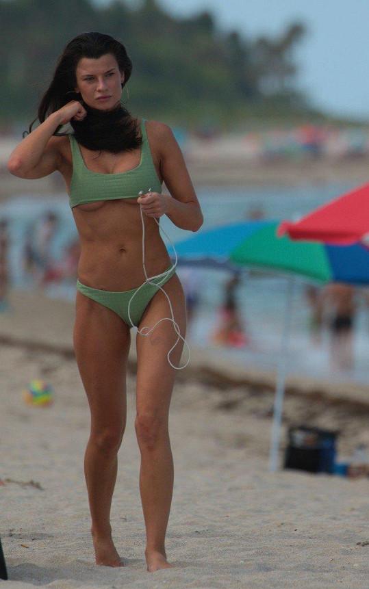 Modelka Destiny Sierra DeLisio