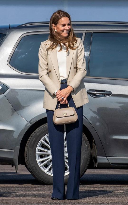 Kate oblékla model za desetitisíce.