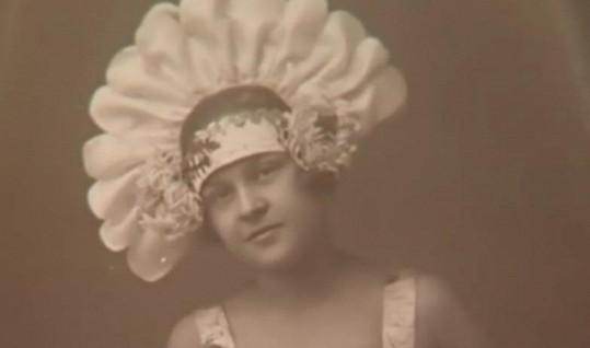 Zita Kabátová jako dospívající dívka.