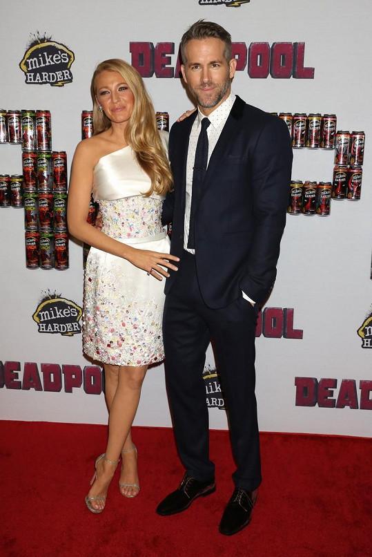 Herečtí manželé spolu mají roční dceru James.