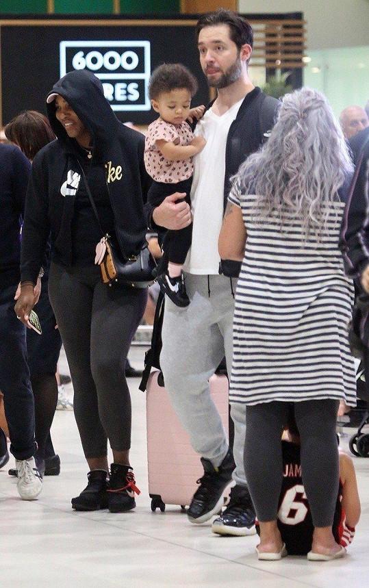 Serena Williams, její manžel Alexis Ohanian a dcera Alexis Olympia zamířili do Austrálie.