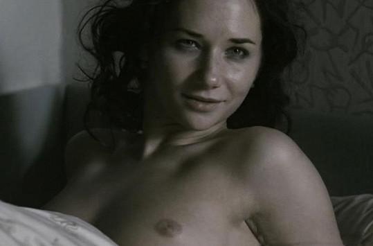 Sandra ve filmu Protektor už jako dospělá žena.