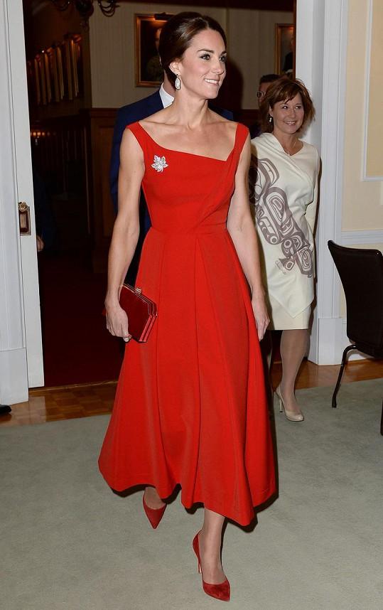 Vévodkyně z Cambridge na recepci v Britské Kolumbii oslnila.