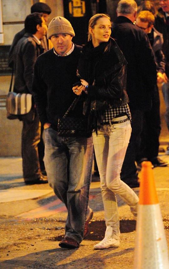 Slavná Slovenka si zahrála v klipu Robbieho Williamse a randila s britským režisérem Guyem Ritchiem.