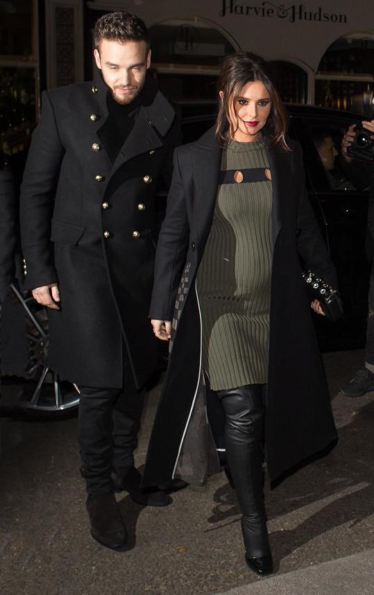 Hudební pár v době, kdy byla Cheryl těhotná.