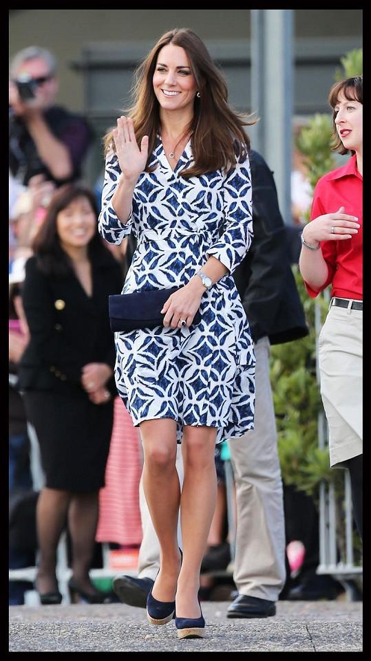 Tyto šaty se díky Kate staly dalším módním hitem.