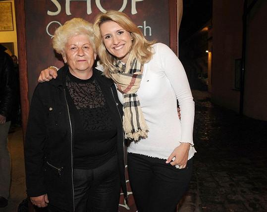 Lenka Špillarová s maminkou.