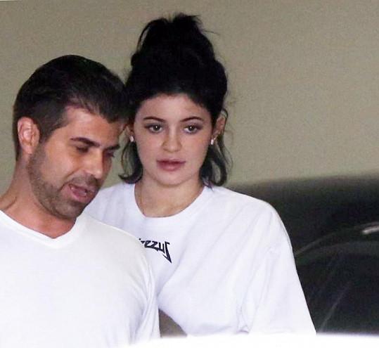 Kylie Jenner byla bez své obvyklé vrstvy líčidel nesvá...