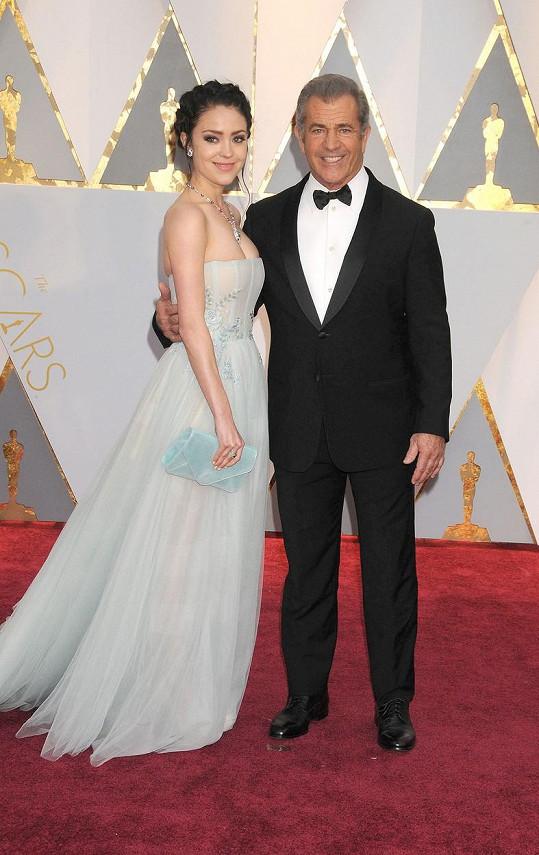 Na Oscarech už Rosalind byla po porodu.