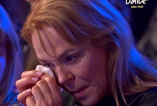 I Dagmar Havlová utírala v hledišti slzy.