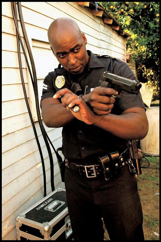 Michael Jace v seriálu Policejní odznak