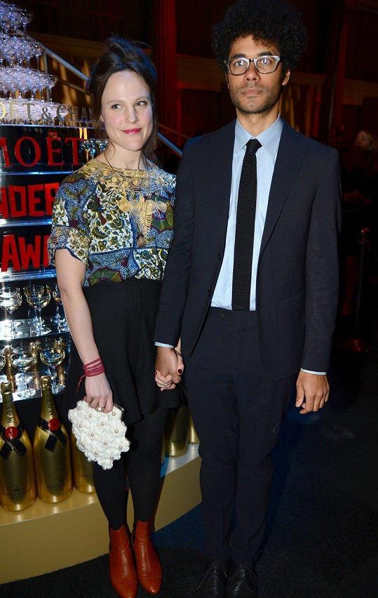 Richard Ayoade a Lydia Fox do společnosti příliš často nevyrážejí. Foto z roku 2015.
