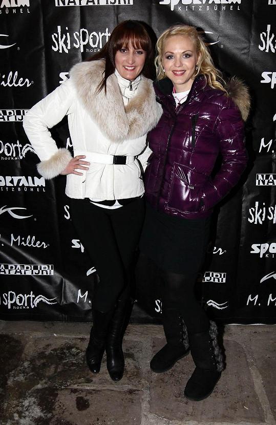 Zimní oblečení předvedla i návrhářka Dominika Sedláčková a finalistka České Miss 2010 Tereza Kučerová.