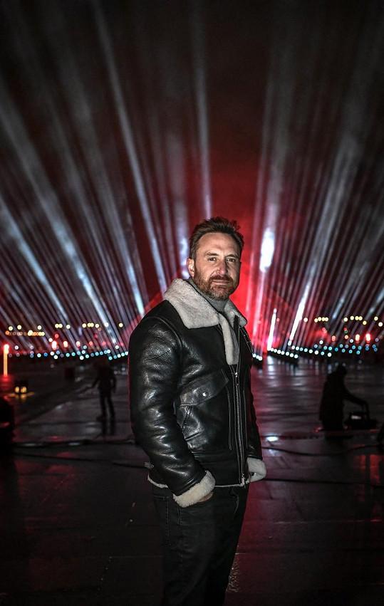 Pro charitu Guetta vystoupil i na sklonku loňského roku v Paříži.