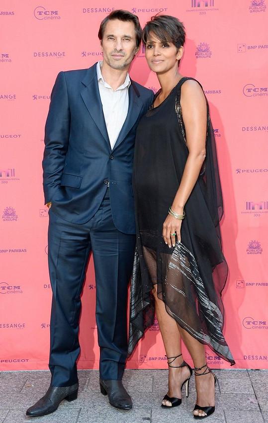 Po Aubrym byla vdaná za Oliviera Martineze, s nímž má syna.