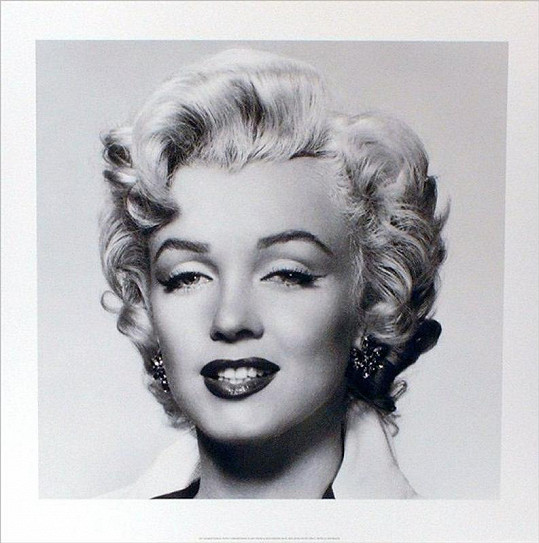 Marilyn Monroe bez své pihy krásy.