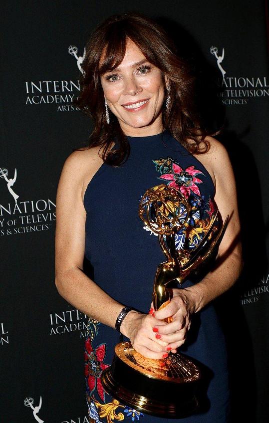 Anna Friel bodovala se seriálem Marcella.