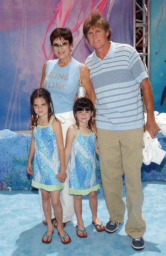 V roce 2003 s Kris Jenner a jejich dcerami Kendall a Kylie