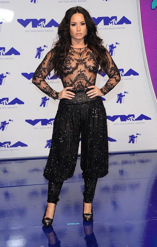 Demi se dříve trápila, aby si udržela štíhlější míry.