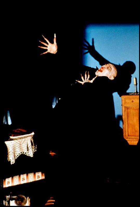 Film Ve stínu upíra mu v roce 2001 zajistil oscarovou nominaci.