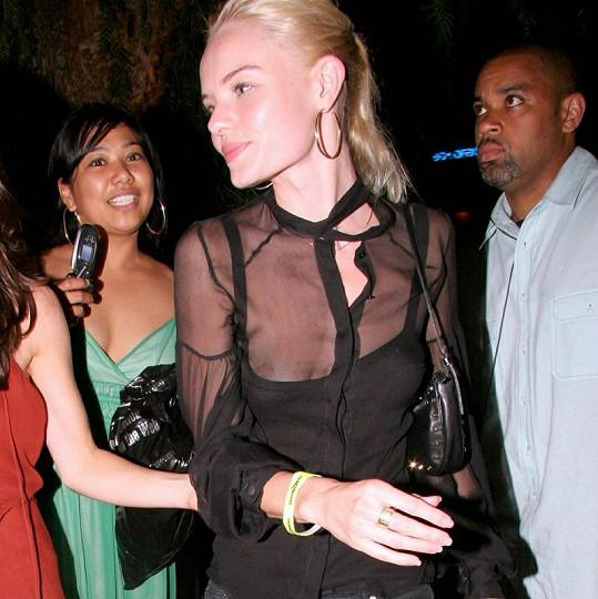 Herečka Kate Bosworth na koncertě Justina Timberlakea v roce 2006.