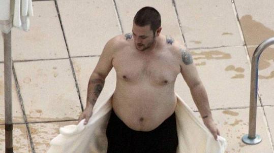 Naopak exmanžel Britney Spearsové Kevin Federline stihl za čtyři roky přibrat spoustu kilogramů.