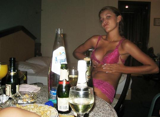 Šárka Cojocarová na jedné z uniklých soukromých fotek.