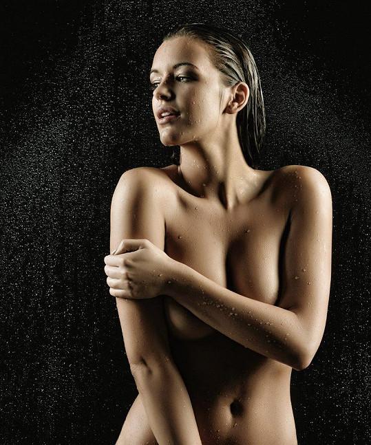 Jitka vypadá nahá dokonale.