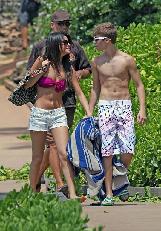 Justin Bieber a Selena Gomez na Havaji.