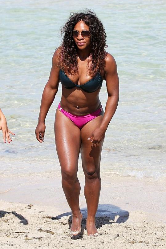 Serena Williams je samý sval.