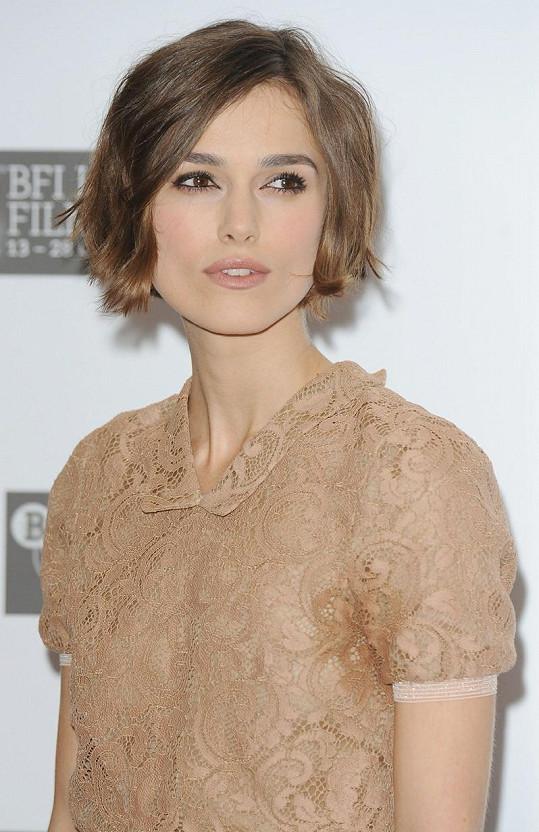 Půvabná Keira Knightley, která v novém filmu ztvárnila vášnivou ruskou dívku.