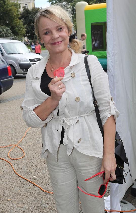 Veronika Jeníková podpořila srdíčkový den.