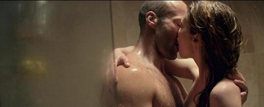 Herečka a zpěvačka se ve filmu objeví po boku Jasona Stathama.