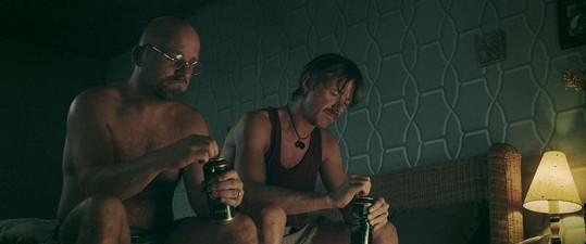 Čermák a Langmajer k sobě mají ve filmu velmi blízko.