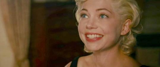 Michelle jako by Marilyn z oka vypadla.