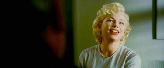 Michelle Williams jako slavná Marilyn Monroe.