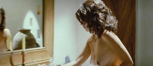 Penelope Cruz ve filmu Rozervaná objetí.