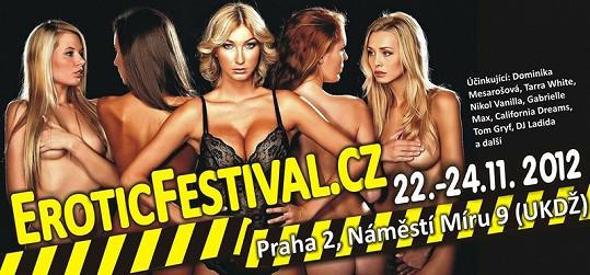 Focení probíhalo kvůli pozvánce na erotický festival.