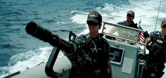 Rihanna v akčním filmu Battleship.