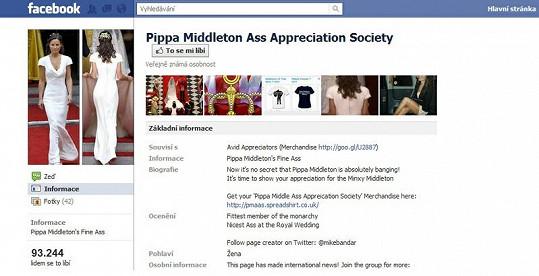 Přes 93 tisíc lidí v neděli odpoledne oceňovalo pozadí Pippy Middleton na síti Facebook.