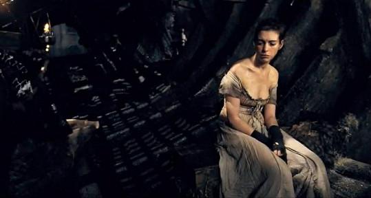 Anne v roli Fantine ve zfilmovaných Bídnících.